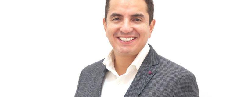 Dr. Enrique Alvarado
